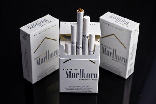 Marlboro Gold Lights los cigarrillos  light